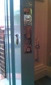 Yale dead lock with keys that work