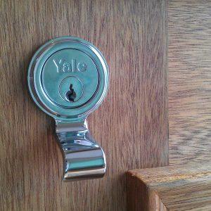 Yale pull AQ40