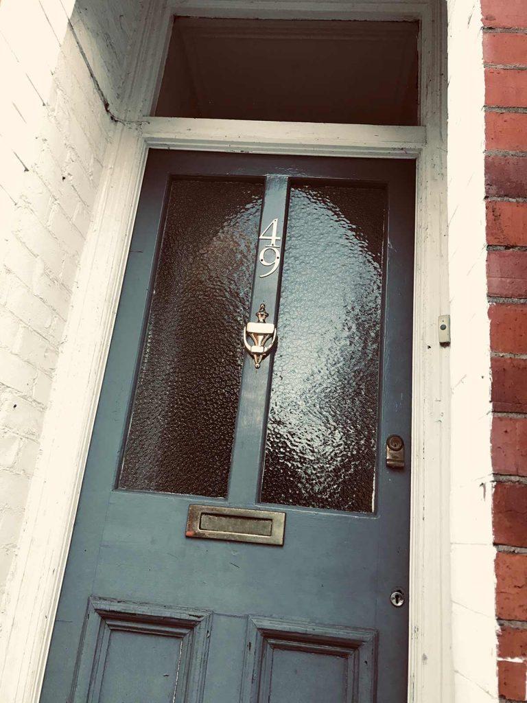 Imogen's 1900 Victorian front door in need of restoration 49-WA15-9RW
