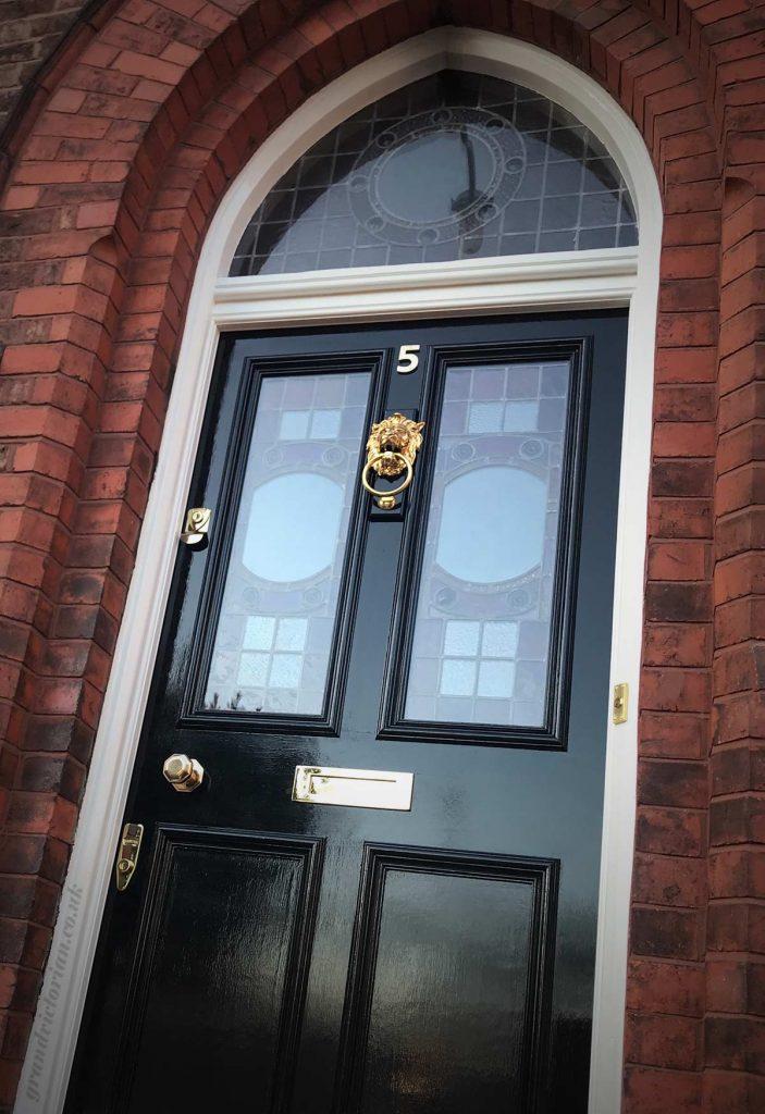 Alexandra's new Victorian front door in Waterloo 5-L22-1RR