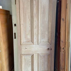 Victorian 4 Panel Internal Door With Raised Mouldings 825x2020x47
